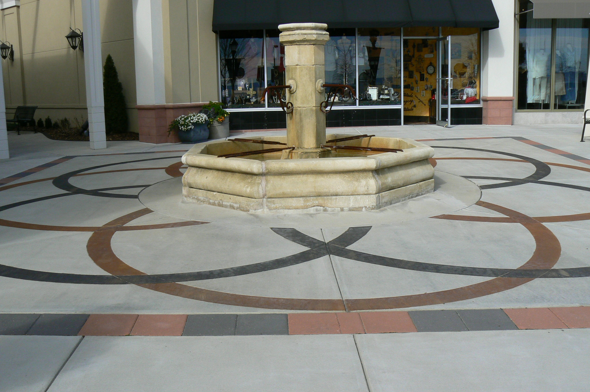 The Summit Shopping Plaza Bomanite